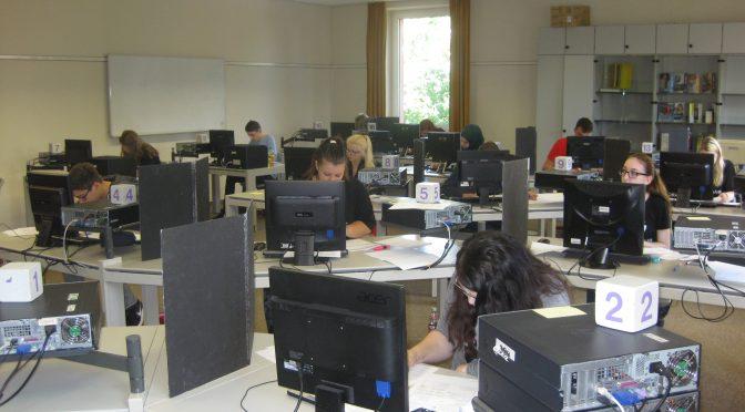 Wirtschaftsschüler auf der Zielgeraden
