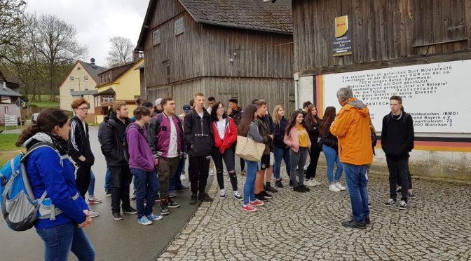 Abschlussklassen erleben Deutsch-Deutsche Geschichte in Mödlareuth