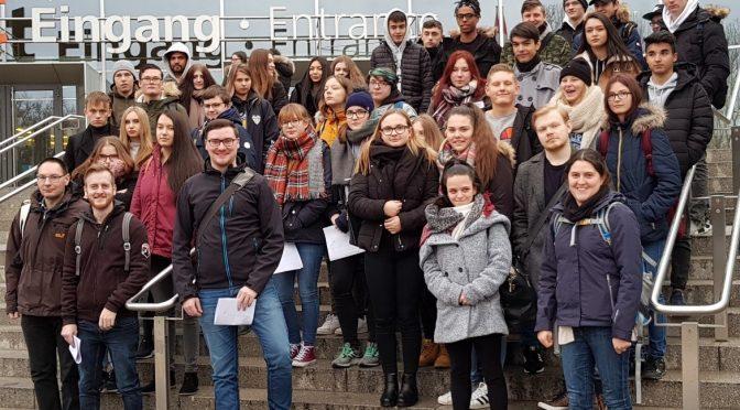 Find' heraus, was in dir steckt: Gustl-Lang-Schule besucht die Berufsbildungsmesse 2018 in Nürnberg