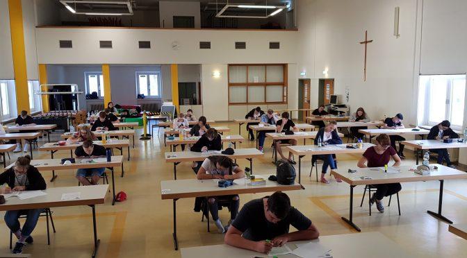 Gleich und doch irgendwie anders! Beginn der schriftlichen Abschlussprüfungen an der Weidener Wirtschaftsschule