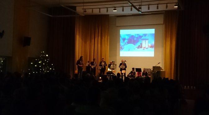 Besinnliche Weihnachtsfeier an der Gustl-Lang-Schule